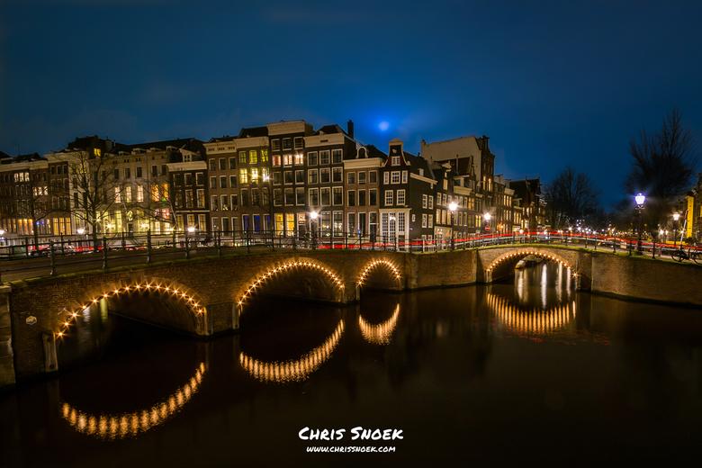 Amsterdam Keizersgracht - Tijdens het Amsterdam Light festival ook nog snel even langs de Keizersgracht aangezien deze plek al lange tijd op mijn lijs