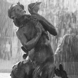 B/W Fountain