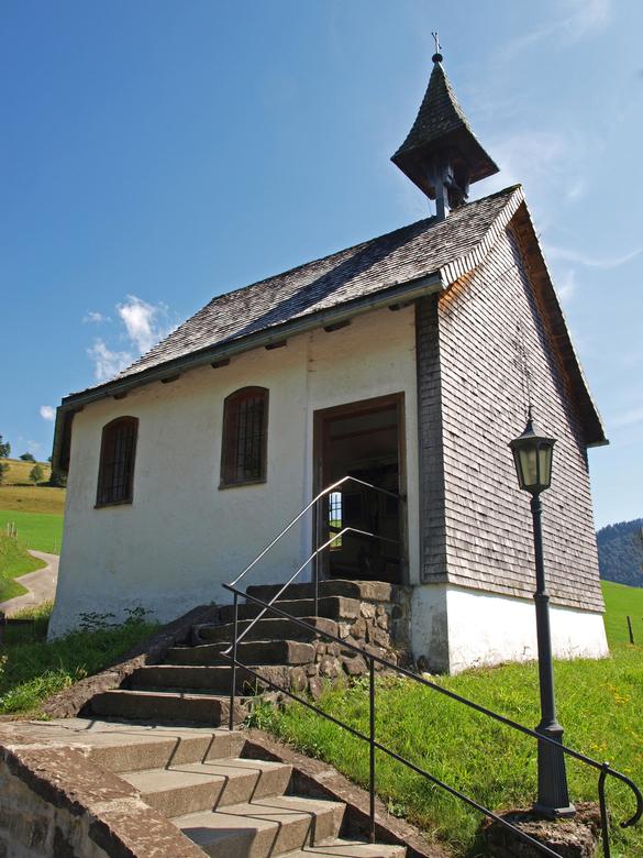 Kerkje bij Oberstaufen, Allgau, Duitsland - Foto's plaatsen hier is er een beetje bij ingeschoten de laatste tijd. Tja, zoveel andere leuke en nu