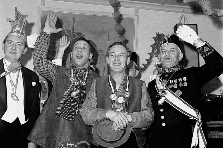 Stiefbeen en Zoon - Februari 1965; Stiefbeen en Zoon.<br /> Fotograaf; Harry Bedijs.<br /> Copyright; Stichting Foto Bedijs.