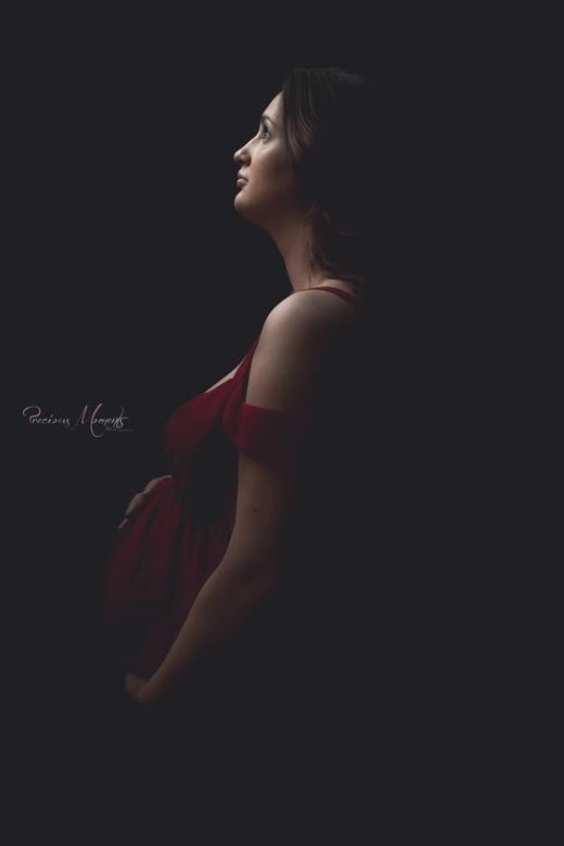 Zwanger - Vers van de pers. <br /> <br /> Deze morgen heb ik een fotoshoot gedaan met een zwangere dame. Ze had nog nooit voor een lens gestaan, daa
