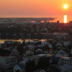 Zonsondergang bij Reijkjavik