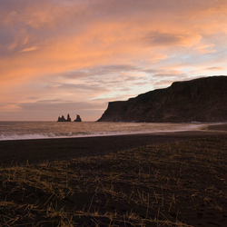 Zonsondergang Vik -IJsland-