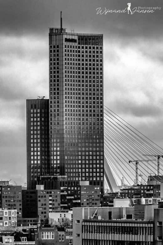 Beautiful Rotterdam. - Slecht weer in Rotterdam. Maar ik zat hoog en droog.