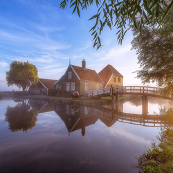 Foggy sunrise in Zaanse Schans