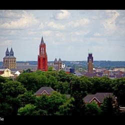Kerktoren vanaf st Pietersberg bij Maastricht