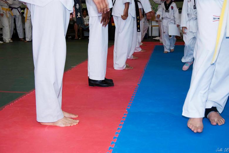 taekwondo - Foto genomen tijdens de medaille uitreiking van een taekwondo training.