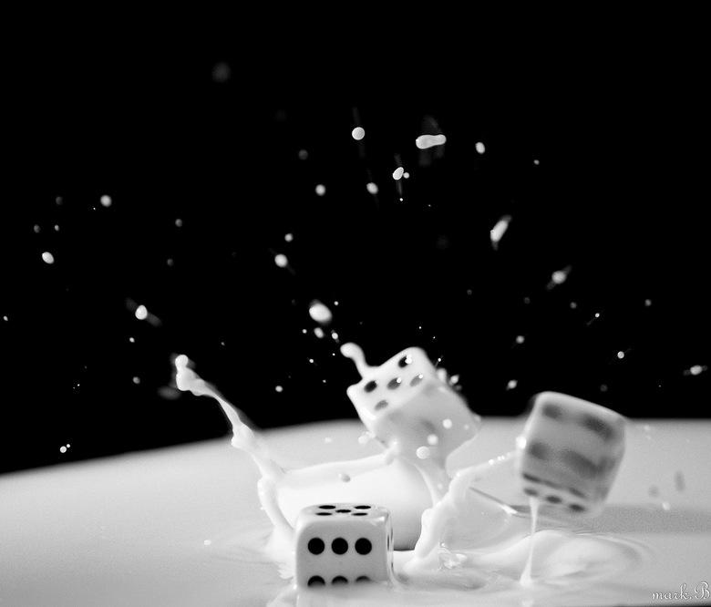 Tossing dice - ff dobbelen