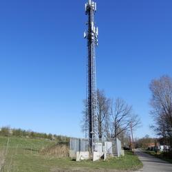 gsm mast naast de A2