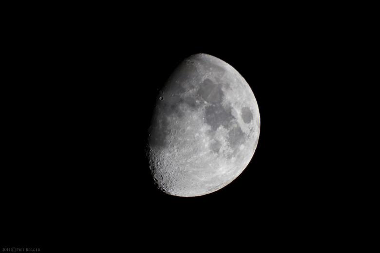Superficie lunae - Canon EOS 7D + Celestron C90 1000mm f11.<br /> 1/160 ISO 800