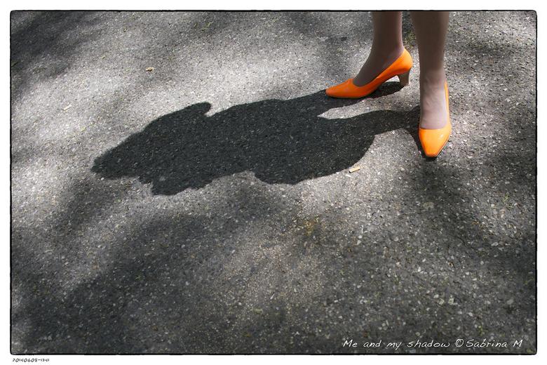 Me and my shadow - Eens eentje in kleur.