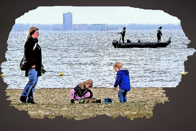 Creatief bezig zijn... - Blaricum aan zee<br /> <br /> <br /> Mensen zoeken de ruimte en zijn heerlijk bezig