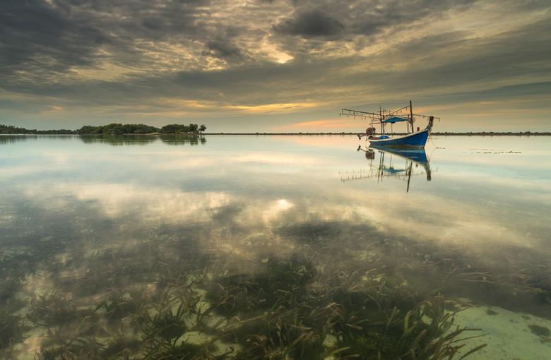 'Mirror Sunrise' Chaweng Beach - De tweede foto uit de serie van vier van het eiland Koh Samui in Thailand.<br /> <br /> Voor alle foto&#039;s heb i