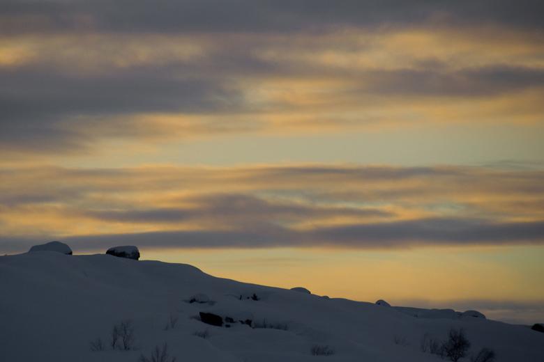 avondlicht - Ondergaande zon in lapland