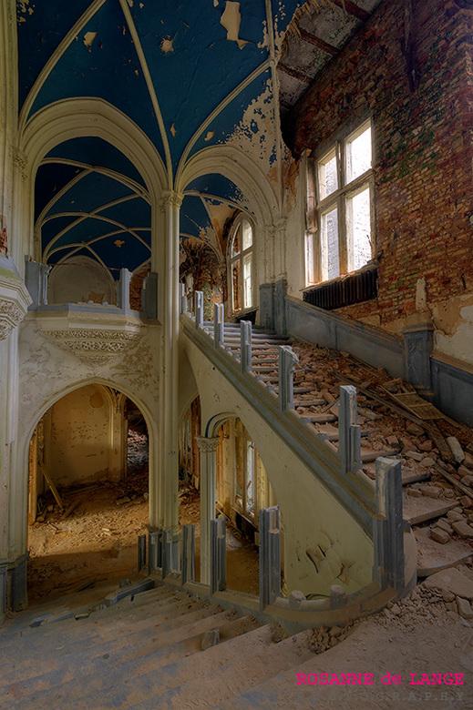 Chateau Noisy - Urban exploring<br /> Een verlaten en vervallen kasteel.