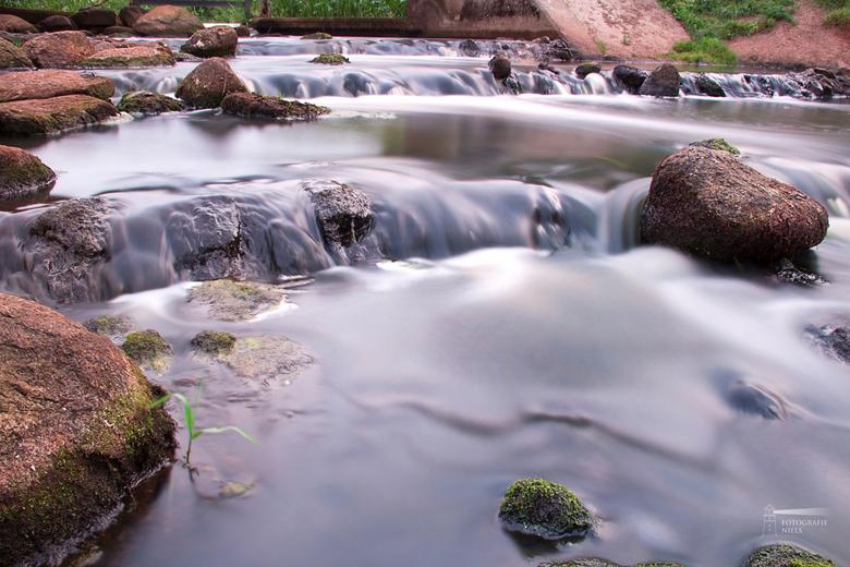 Zacht water - Niet de mooiste omgeving  maar wel een mooie manier om het &quot;Angel Hair&quot; effect uit te proberen!<br /> <br /> Hoor graag tips