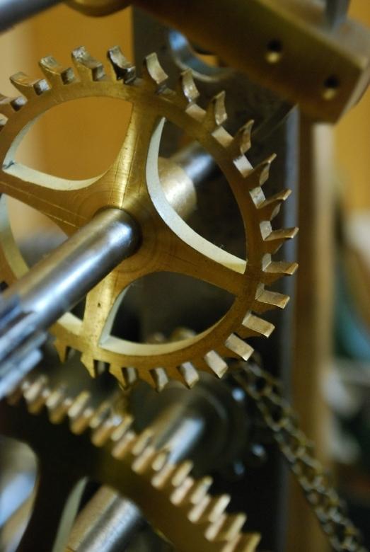 De raders van een uurwerk 2 - In het klokkenmuseum in de Harz heb ik toch maar eens wat detailfoto's geprobeerd te maken.