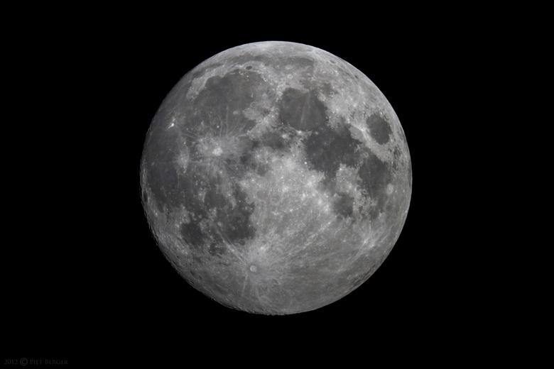 Hunter's Moon - Maan eind oktober, ook wel bekend als &quot;Hunter&#039;s Moon&quot;<br /> <br /> Gemaakt door MEADE 8&quot; SCT telescoop.