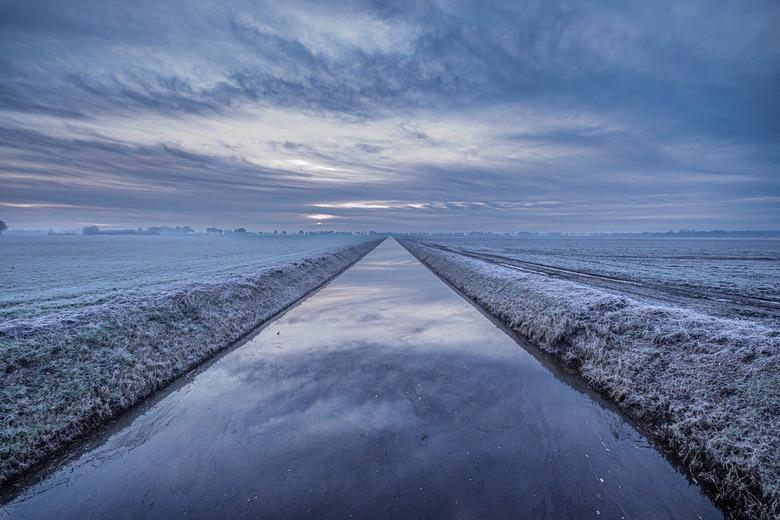 De eerste winterse taferelen zijn een feit - Rijp in de ochtend