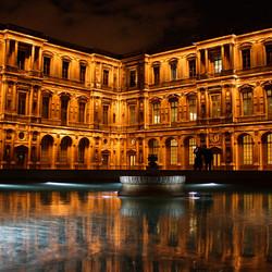 Het binnenplein v. Louvre
