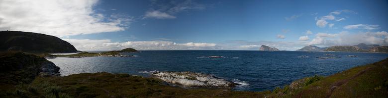 Panorama vanaf Sommarøy - Sommarøy is een eiland/dorpje aan de Noorse kust ter hoogte van Tromsø.