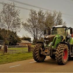 P1130186 Truck time  met  filter Zeke  FENDT   Tractor  30 sept 2020