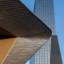 Centraal station Rotterdam en de Weenaflat