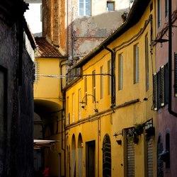 Straat in Lucca, Italie