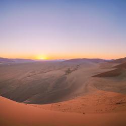 Zonsopkomst over de Namibwoestijn