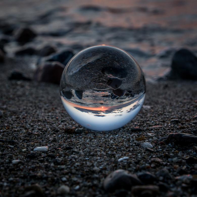 Glazen bol zonsondergang