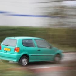 voorbijsnellende auto gespot tijdens de Canon EOS cursus