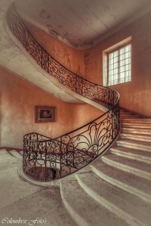 Colourful pornstairs :) - een van de meest sierlijke trappen die ik ooit heb vastgelegd..