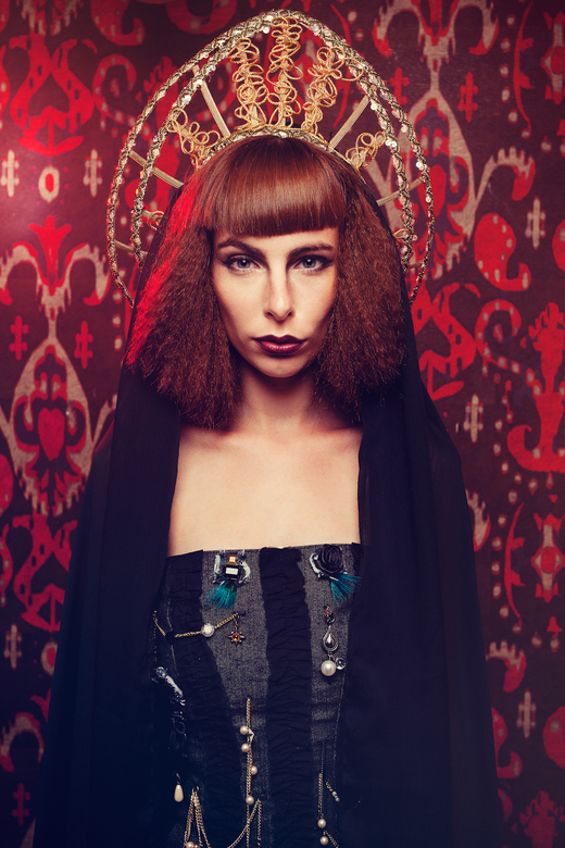 Dark Beauty - Model: Anna<br /> Designer: Nataly Patter<br /> Makeup: Irene Tjebbes<br /> Hair: Joyce Schweers