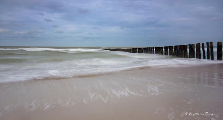 The sea gives and takes - Mijn eerste serieuze poging om met de big stopper en lange sluitertijden te experimenteren.<br /> Strand van Burg Haamstede