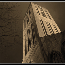 Naarden Kerk, nachtelijke regen..