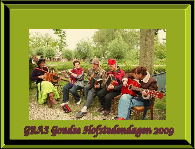"""GRAS op de boerderij2 - Goudse Hofstedendagen 2009, muziekgroep GRAS, een folkband uit het Groene Hart waar ik graag mee speel <img  src=""""/images/smil"""