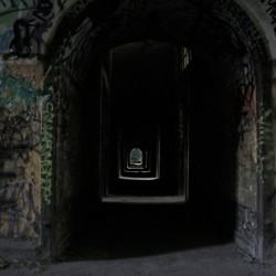 Donkere verlaten gangen