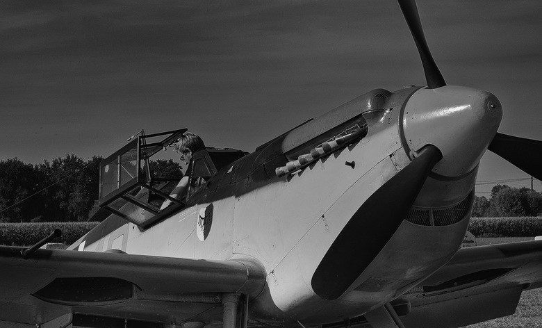 Wings of freedom.1 - 75 jaar geleden vond de slag om Arnhem plaats. Eén van de grootste veldslagen uit de geschiedenis. In deze periode vinden er alle
