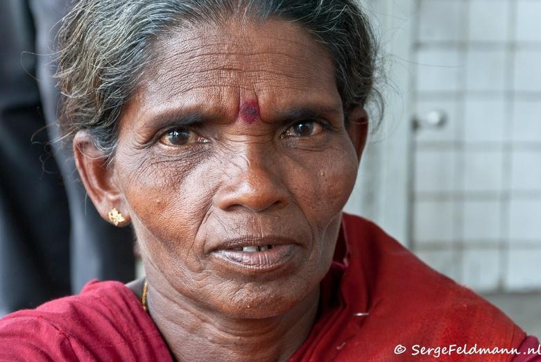 FOSL 36 - Een portret op een station in Colombo