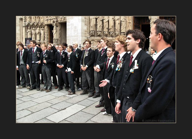 Parijs N Dame 10 - De Notre Dame mag je natuurlijk niet overslaan als je in Parijs bent...<br /> <br /> Voor wie benieuwd is naar de benen van giste