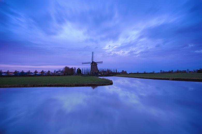 Purple De Tweede Broekermolen - De Tweede Broekermolen te Uitgeest is a poldermolen built in 1631. I think people live in it. I took this picture befo