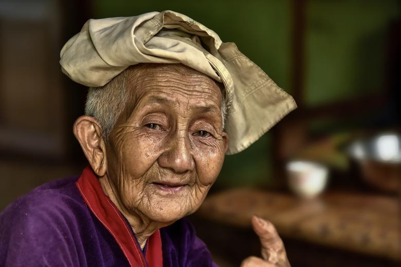 Sweet Old Grandma Portret Foto Van Dequillo Zoomnl