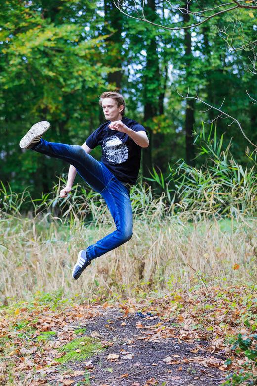 The Rising kick - Fotograaf Hennie Bottenberg<br /> <br /> Model Maurice van Leeuwen <br /> (Aka AngelBoy)