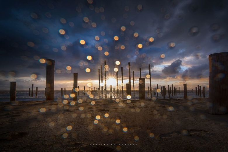 rain & sun - Ik was lekker de zonsondergang aan het fotograferen toen het begon te regen. Balen! Maar toch maar even doorgaan.. Mijn bolle grootho