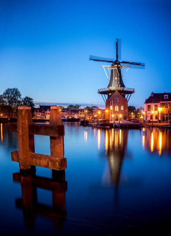 De Adriaan - Verticale panorama van de molen.