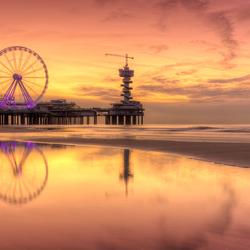 Zonsondergang bij de Pier in Scheveningen