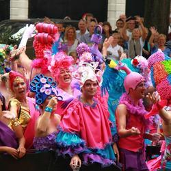 kleurrijke boot op de Gay pride