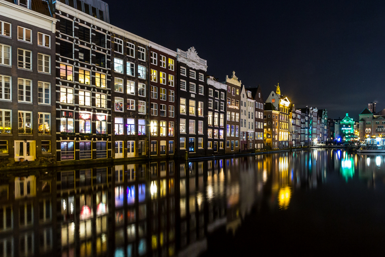 Amsterdam Lights - Amsterdam op donderdag 2 januari.<br /> Ik was in Amsterdam voor het Amsterdam Light Festival, het festival zelf viel me dit jaar