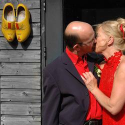 In holland trouwt een stel