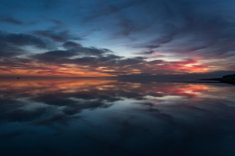 after the sunset - als de zon is ondergegaan . gebeuren er mooie dingen aan de zuidkant van vlieland